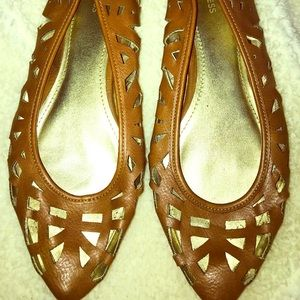 Express laser cut brown leather pointy flat